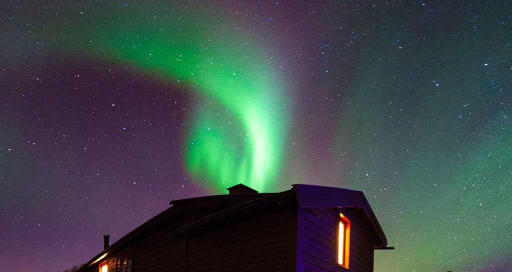 6 tips for chasing Auroras on a budget